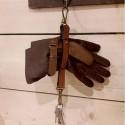 Porte gants en cuir noir A Piece of Chic